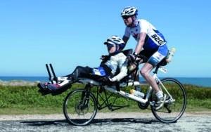 2 Radfahrer auf dem PINO